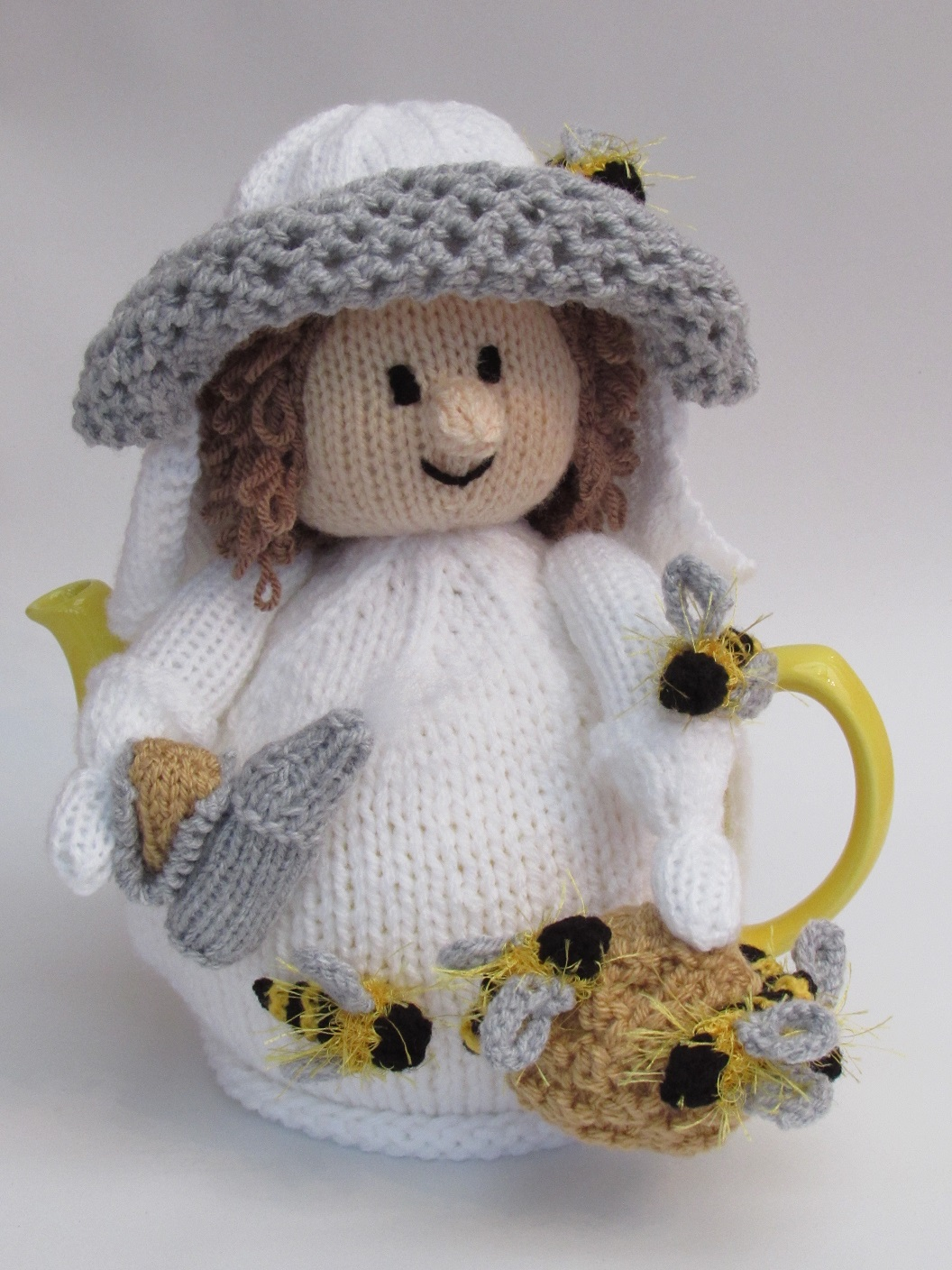 BusyCrafting - viewing products for sale from TeaCosyFolk